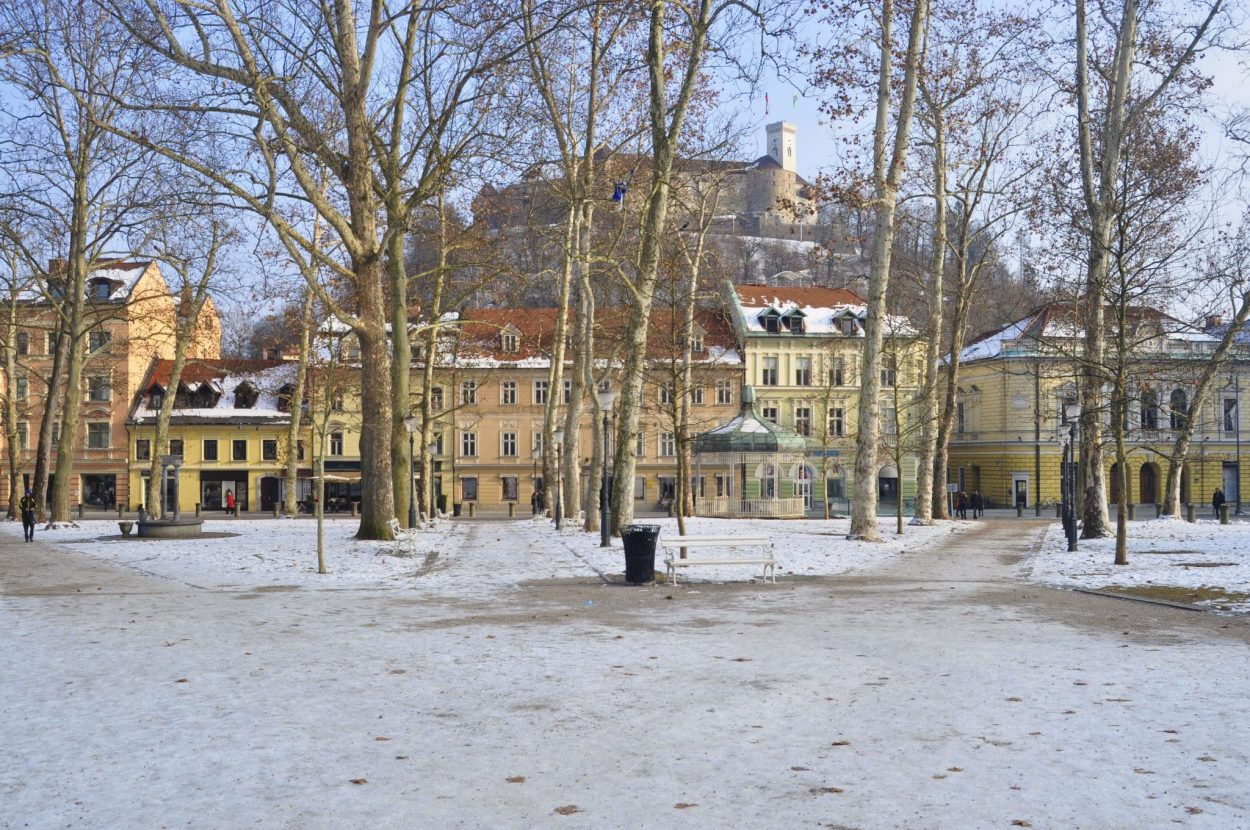 Kongresni trg Ljubljana in winter