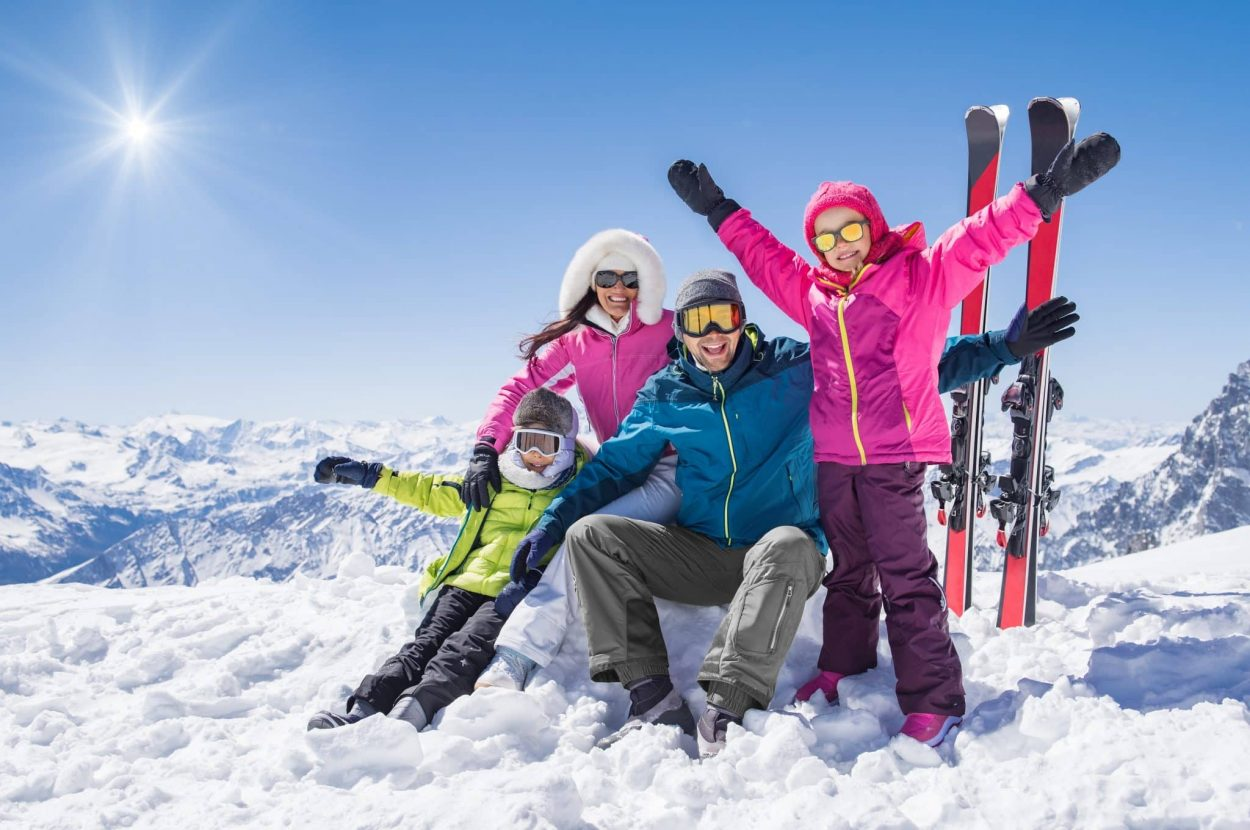ski holidays happy family