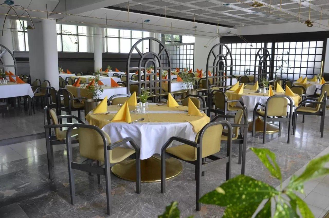 Alp Hotel dining
