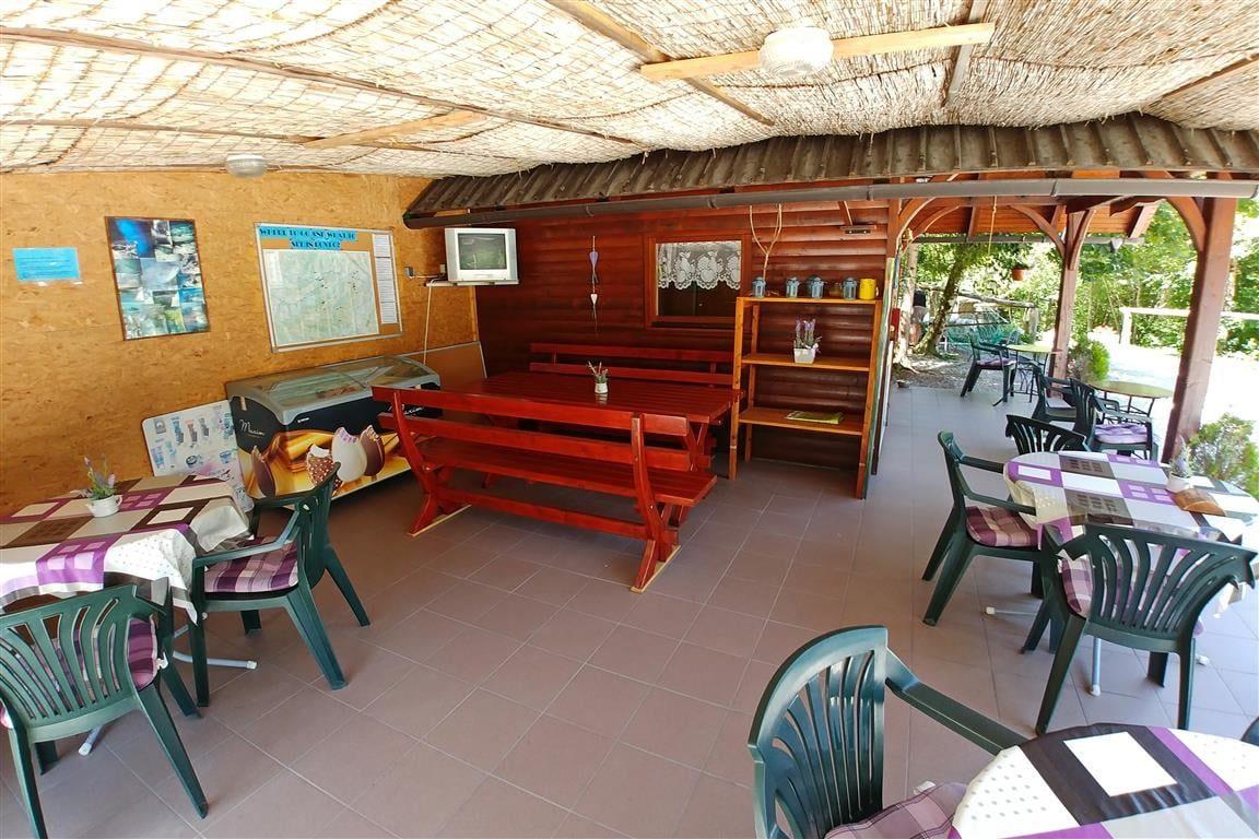 Bar del camping Vodenca