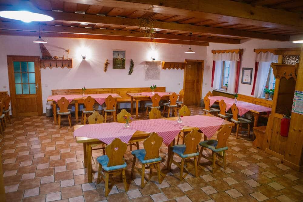 Domačija Firbas dining area