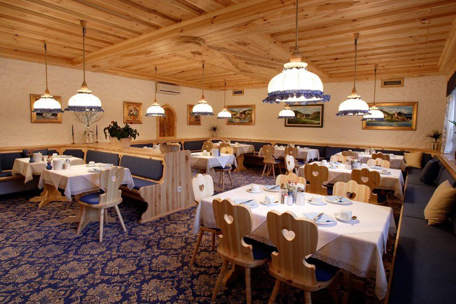 Garni Hotel Berc dining area