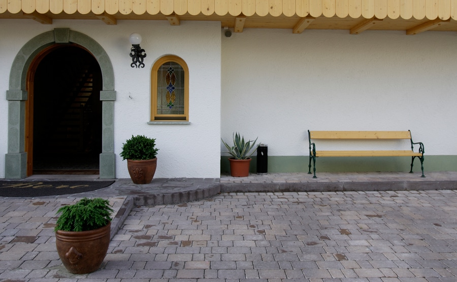 Garni Hotel Berc entrance