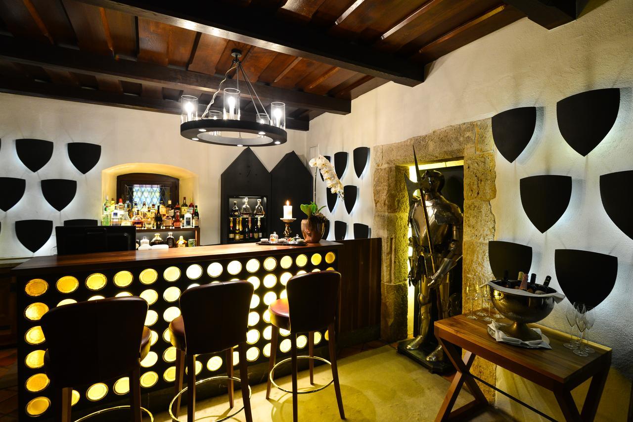 Hotel Grad Otočec bar