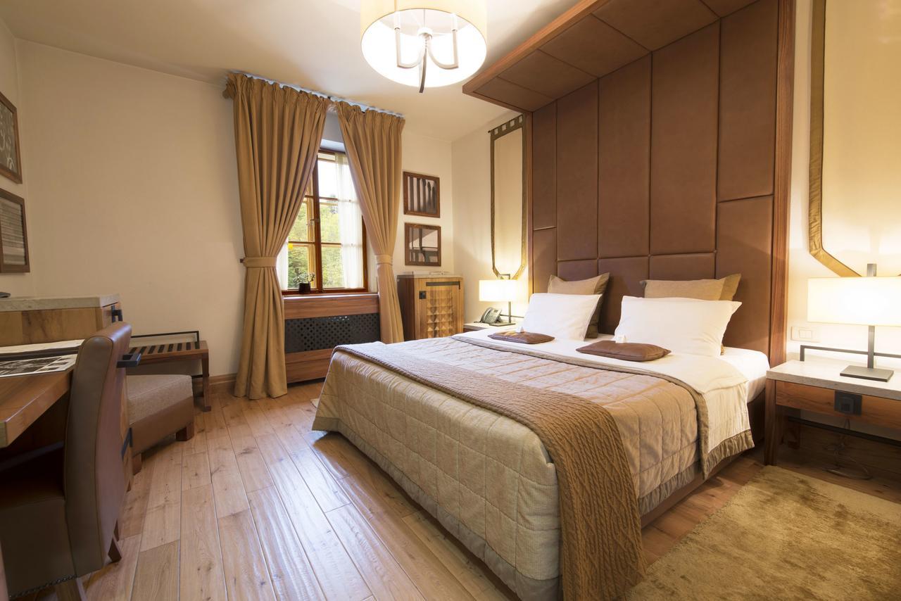 Hotel Grad Otočec room