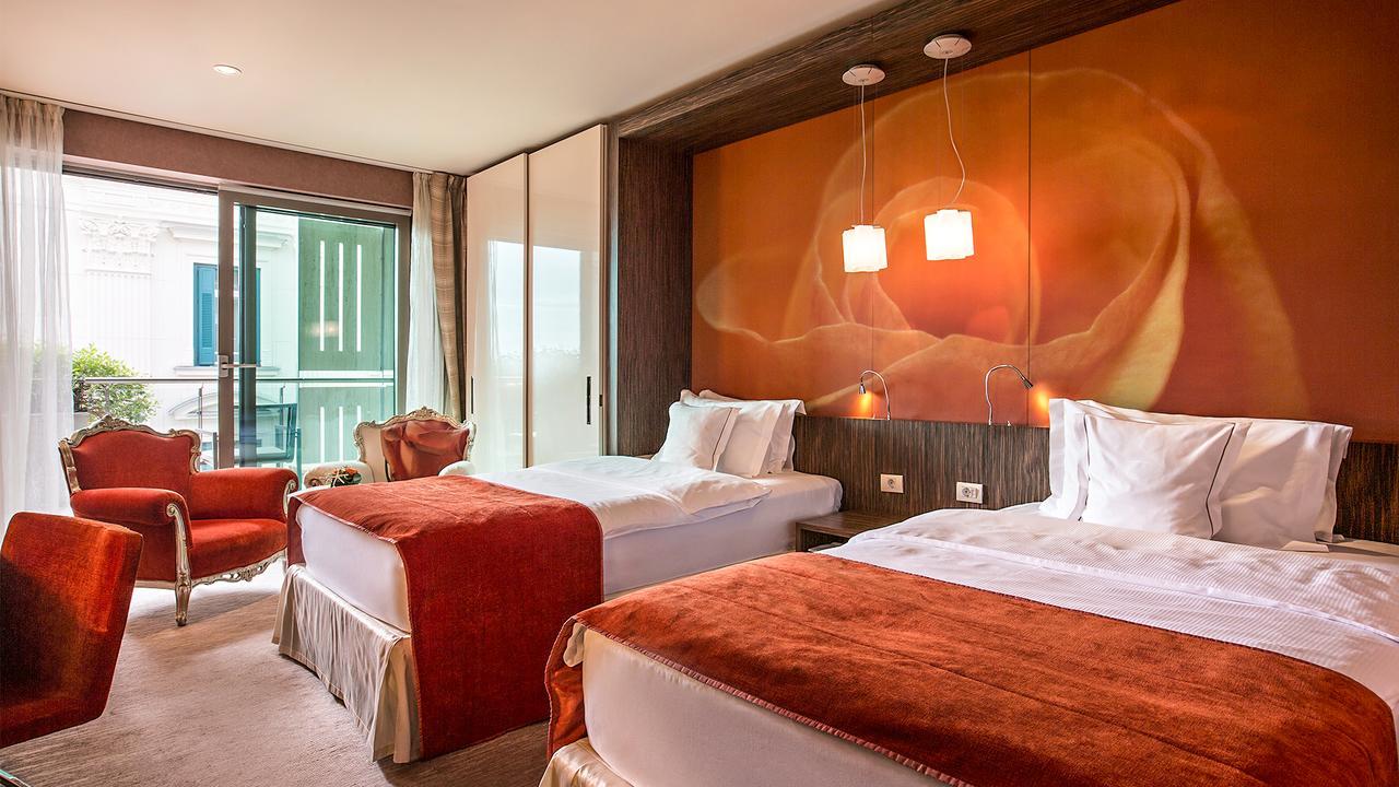 Hotel Kempinski Palace room