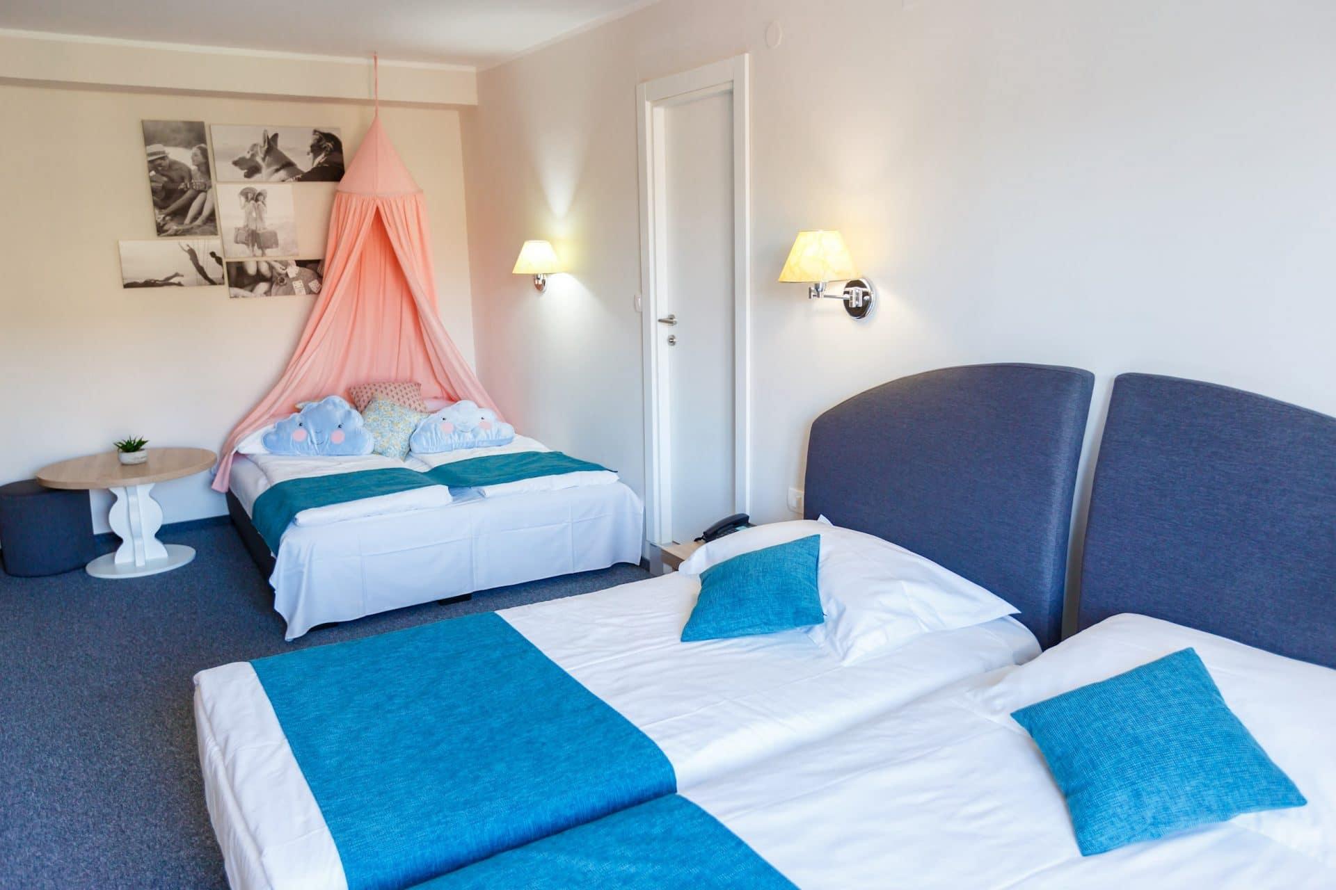 Hotel Mirna family room