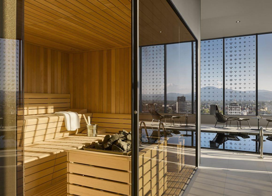 InterContinental Hotel Swimming pool and sauna