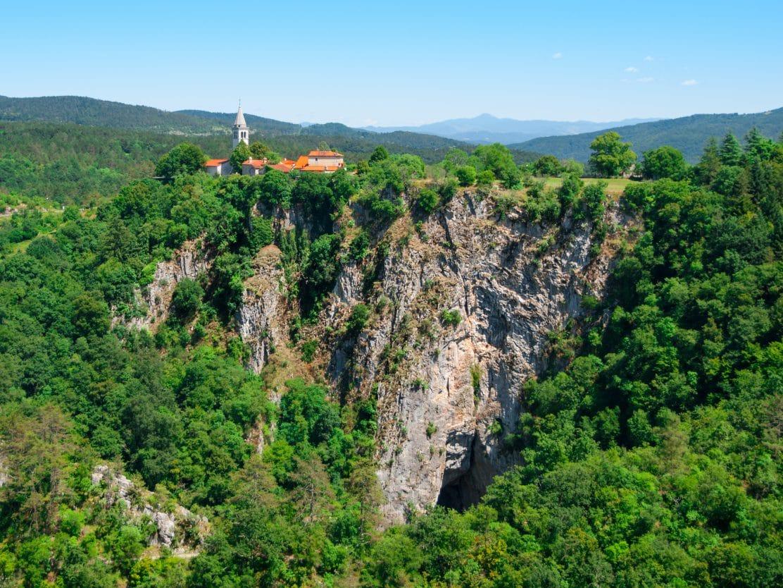 Škocjan Village above Škocjan caves