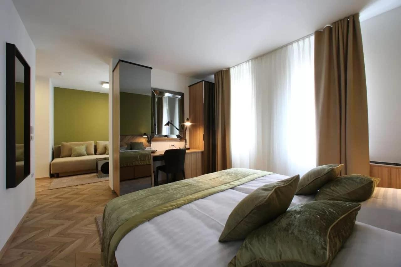 Urban Hotel room