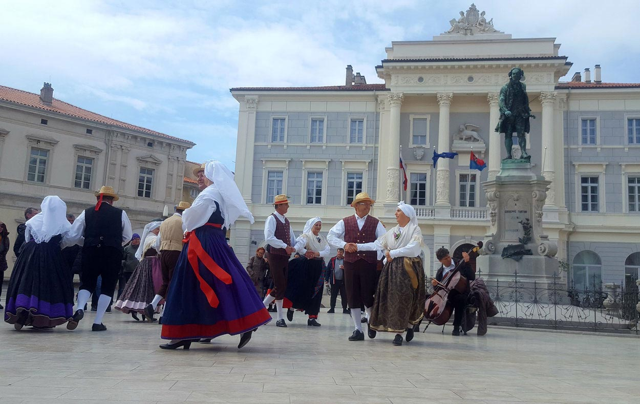 Slovenia customs and traditions